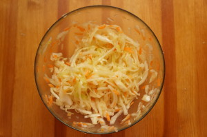 готовый салат из капусты и моркови